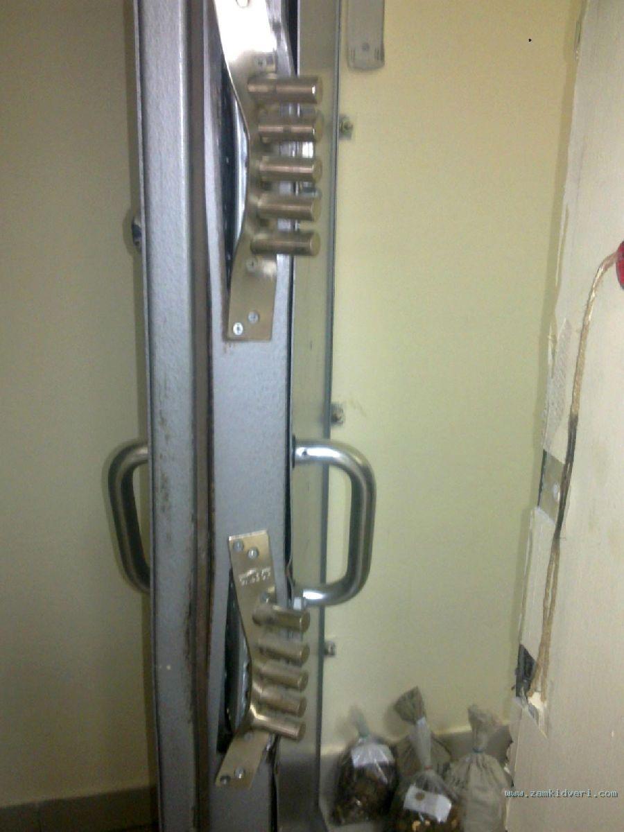 Взлом дверей способом отжима во многом возможен благодаря