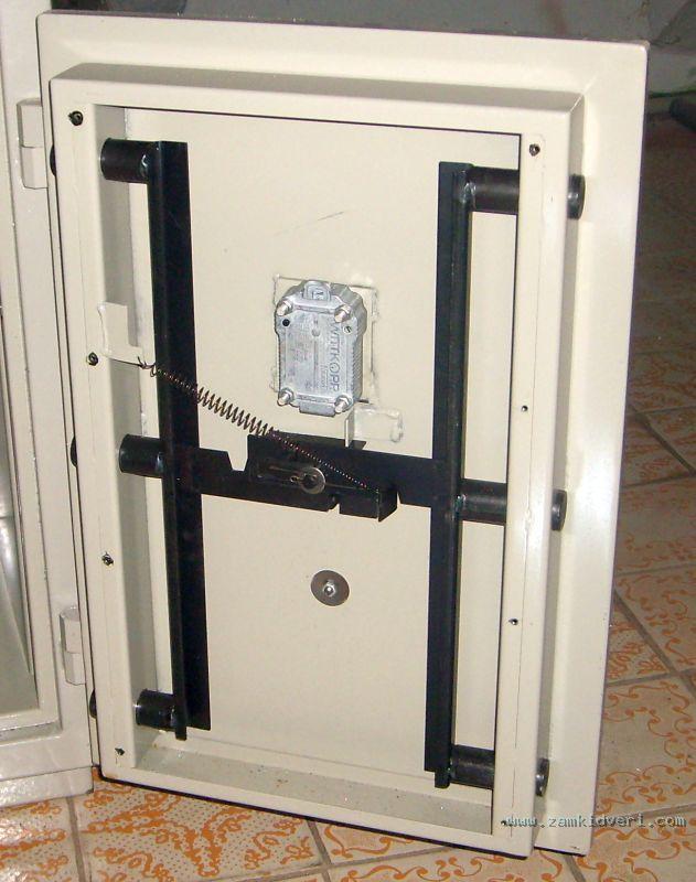 Как сделать сейфовую дверь 73