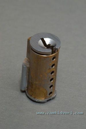 s plug sleeve