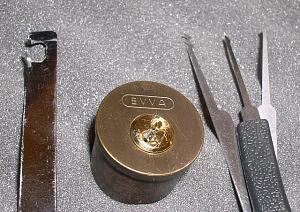 Нажмите на изображение для увеличения Название: Lockpicking_EVVA_3KS_picked.jpg Просмотров: 0 Размер:333.3 Кб ID:29896