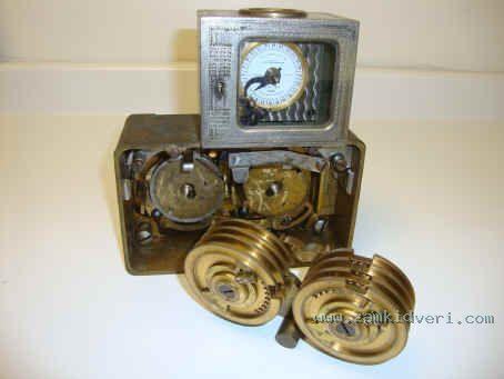 Consol 1mvt w dual Hall lock 5
