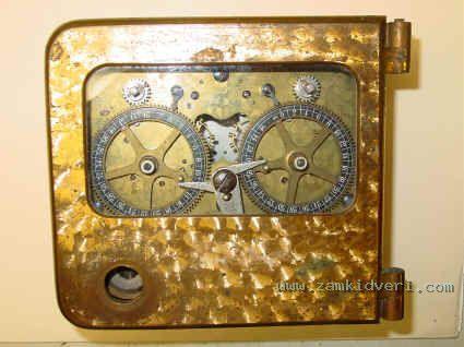 SG 2mvt 3 black dials