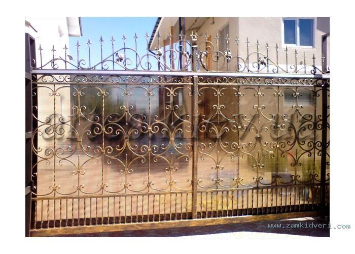 ворота с поликорбанатом.jpg