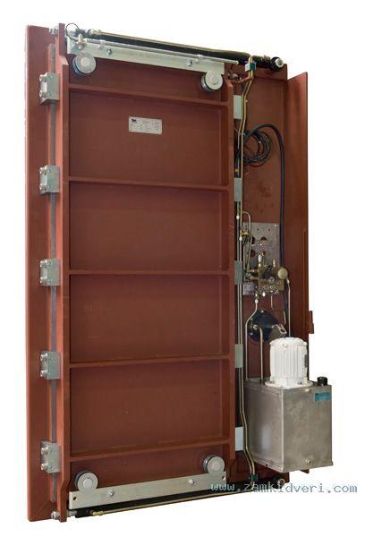 X8T4415 Hydr door