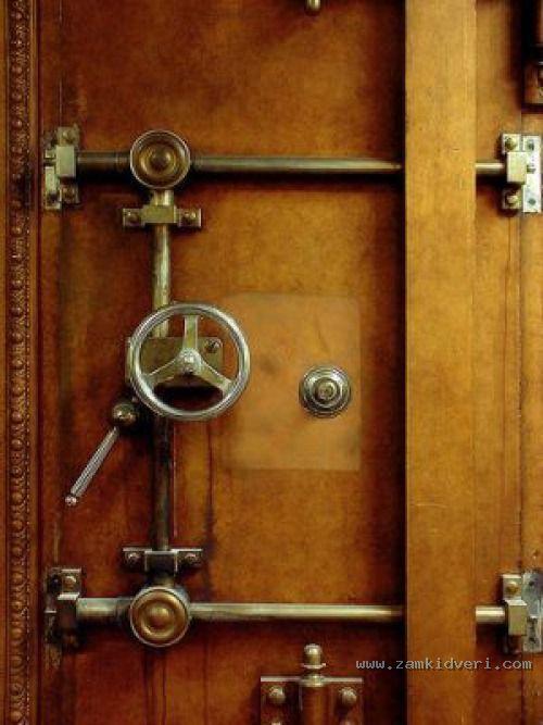 механическое подземелье как открыть дверь