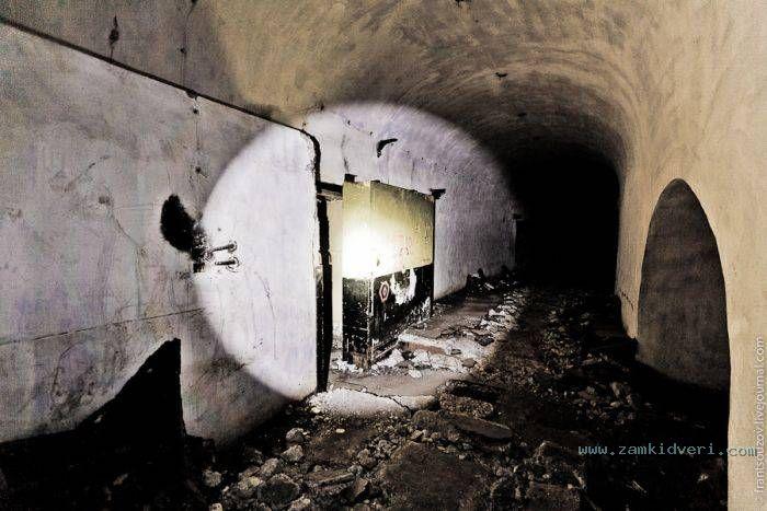 1318915627 bunker 05