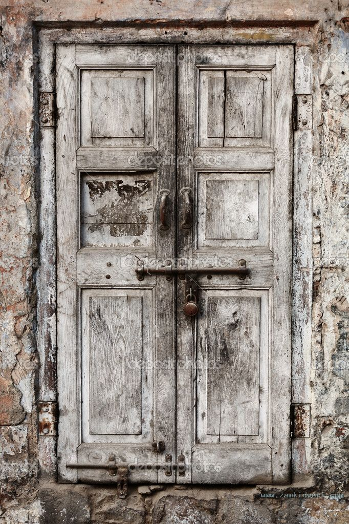 depositphotos 19291477 Wooden door