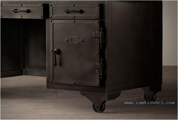 iron vault desk 4