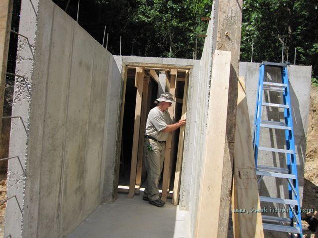 2009070606 Root cellar shoring