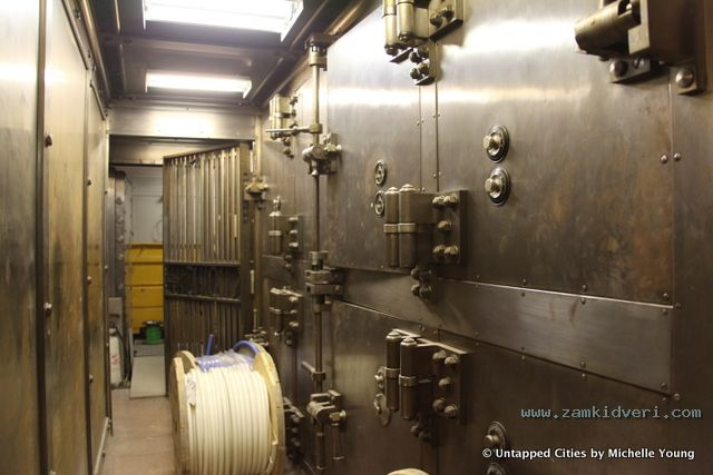 Woolworth Building Bank Vault Tours NYC 004