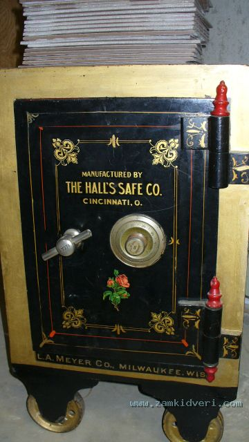 hall safe 2