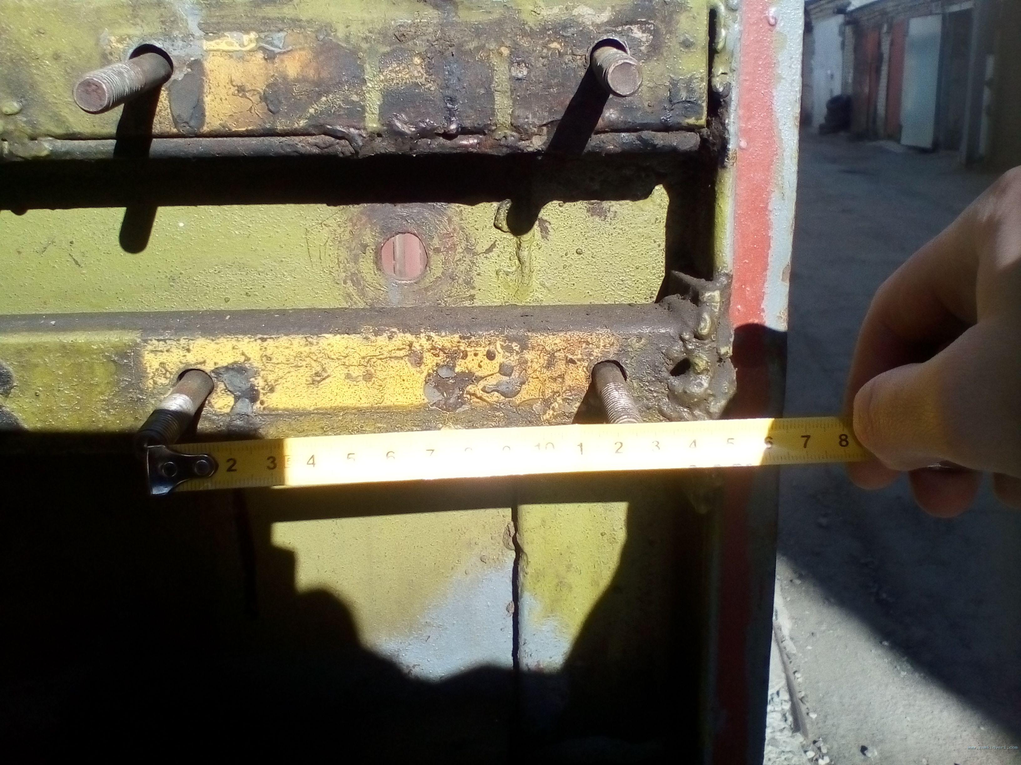 Подбор замка по месту установки, расстояние между крепежными болтами 120x90